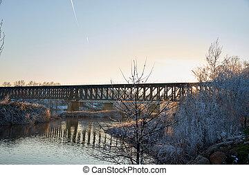 árboles, hielo, ciudad vieja, puente cubierto, nieve, tren, zamora, hierro, ocaso