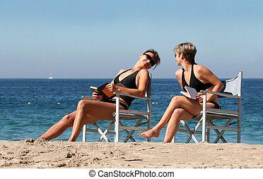 2, playa, mujeres