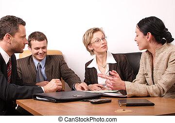 4 hombres de negocios