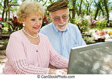 A los mayores les gusta la computadora