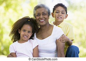 abuela, posar, nietos