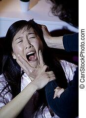 abusar, mujer, ella, golpear, mientras, asiático, estridente, hombre
