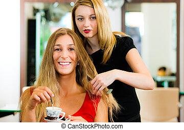 aconsejar, mujer, peluquero, obteniendo