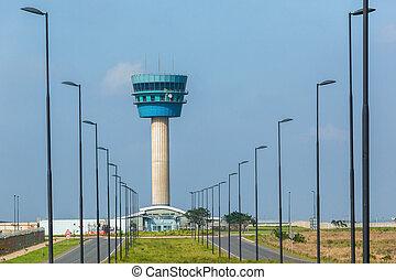 Aeropuerto de la torre de navegación de tráfico aéreo