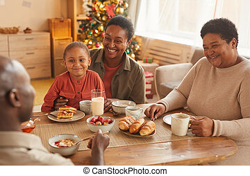 african - american, familia , feliz, mañana, navidad