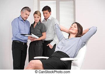 agradable, trabajando, teniendo, empresa / negocio, soñar aproximadamente, plano de fondo, silla, adulto, equipo, resto, vocation., mancha, dama, blanco