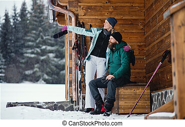 aire libre, cruz, pareja, de madera, país, maduro, choza, naturaleza, invierno, skiing., descansar
