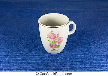 aislado, café, té, vacío, blanco, o, fondo blanco, jarra, azul