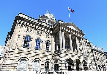 Al ayuntamiento de Liverpool