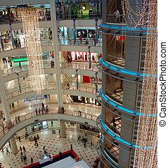 Al centro comercial 3