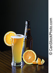 Ale de trigo belga con rodajas de naranja