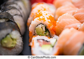 Almuerzo de sushi surtido
