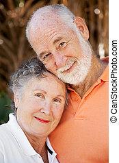 Amar a la pareja de ancianos