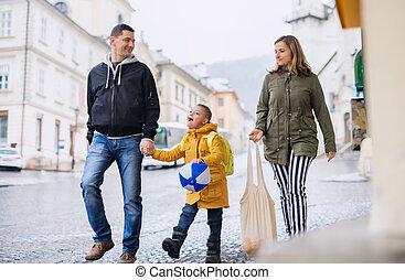 ambulante, síndrome, abajo, familia , proceso de llevar, shopping., aire libre, hijo, feliz