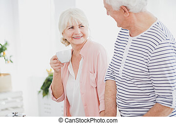 anciano, bebida, mujer, té