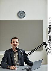 anfitrión, oratoria, radio