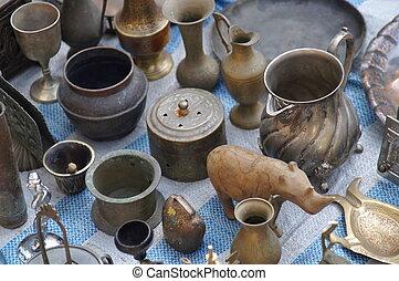 Antigüedades en el mercado este de Jerusalén