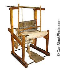 Antiguo telar de madera aislado