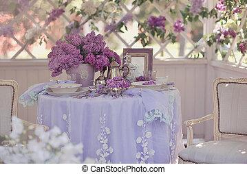 Arbor primavera y lila