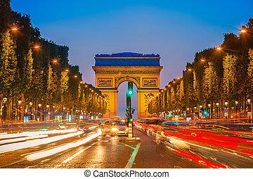 Arco de triunfo por la noche