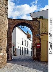 Arco del Cubo y torre de la Iglesia de la Candelaria