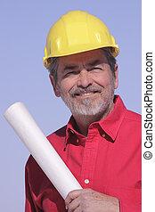 Arquitecto, contratista con sombrero duro