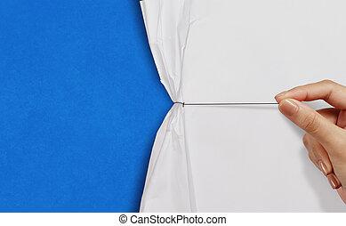 arrugado, exposición, soga, azul, papel, plano de fondo, mano abierta, tirón