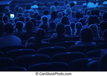 Audiencia en el cine. Silueta.