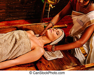 ayurveda, treatment., mujer, teniendo, balneario