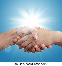 azul, apretón de manos, cielo, luz del sol