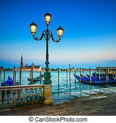 azul, giorgio, san, venecia, italia, gondole, maggiore, fondo., lámpara, calle, ocaso, iglesia, señal, europe., crepúsculo, o, góndolas