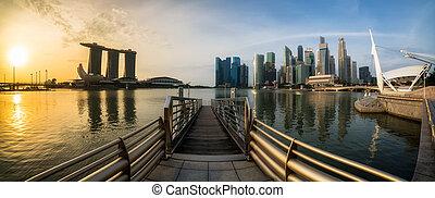 Bahía marina de Singapur con vista panorámica al amanecer