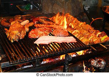Barbecue con deliciosa carne asada