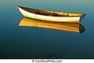 Barco de cabos y reflexión