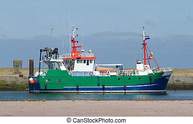 Barco de pesca en las tierras bajas
