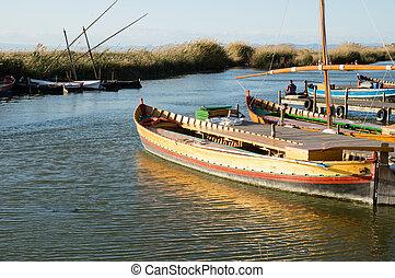 Barcos en Albufera, Valencia, España