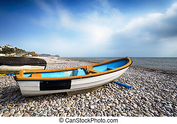 Barcos en la playa en Budleigh Salterton