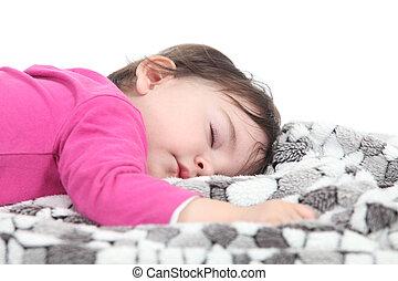 Bebé durmiendo en una manta