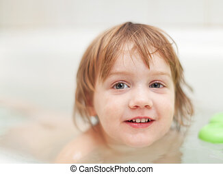 Bebé en el baño