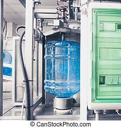 Bebe la línea de producción de agua