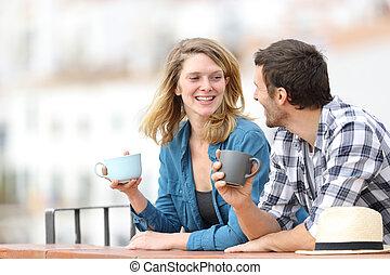bebida, adulto, café, pareja, feliz, hablar, balcón