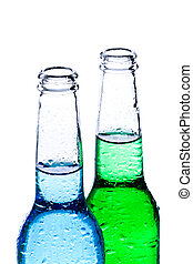 Bebidas alcohólicas aisladas en blanco