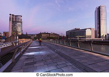 Belfast al amanecer