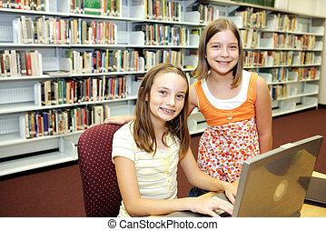 Biblioteca escolar, tecnología en clase