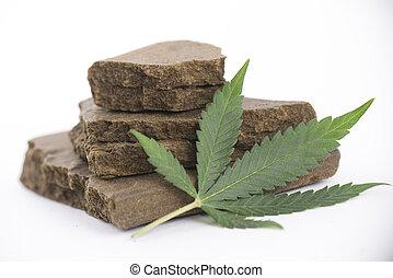 bloques, médico, cannabis, aislado, hachís, concentrado, hoja de la marijuana