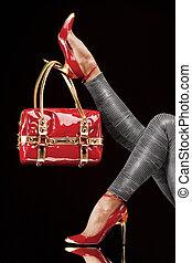 bolsa, zapatos rojos
