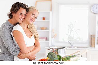 Bonita pareja posando