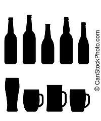 Botella de cerveza negra y tazas