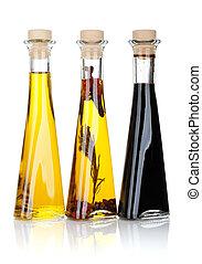 Botellas de aceite de oliva y vinagre