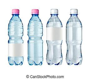 Botellas de agua con etiqueta